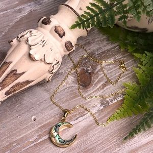 ✨HP✨ 14K Gold Crescent Moon Abalone Necklace